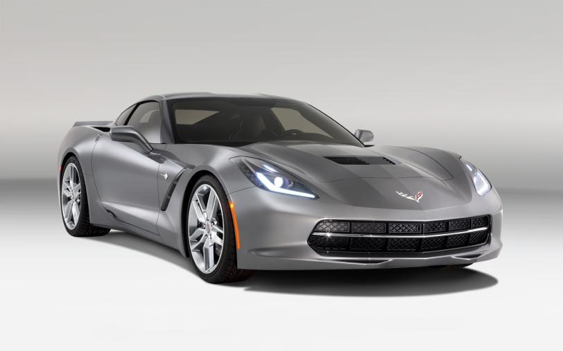 2014-Chevrolet-corvette-Stingray-front-three-quarters
