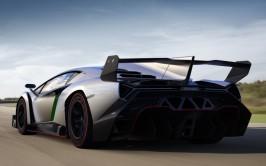 Lamborghini-Veneno-rear-three-quarter-1024x640