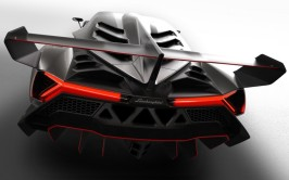 Lamborghini-Veneno-rear-view-1024x640