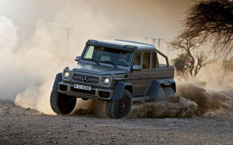Mercedes-Benz-G63-AMG-6x6-front-three-quarters-dirt-drift-1024x640